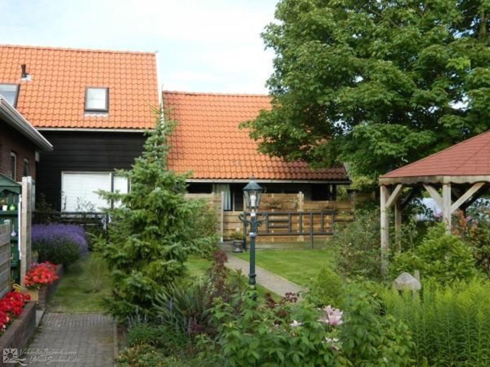 VZ757 Luxuri�ses Ferienhaus in Ouddorp