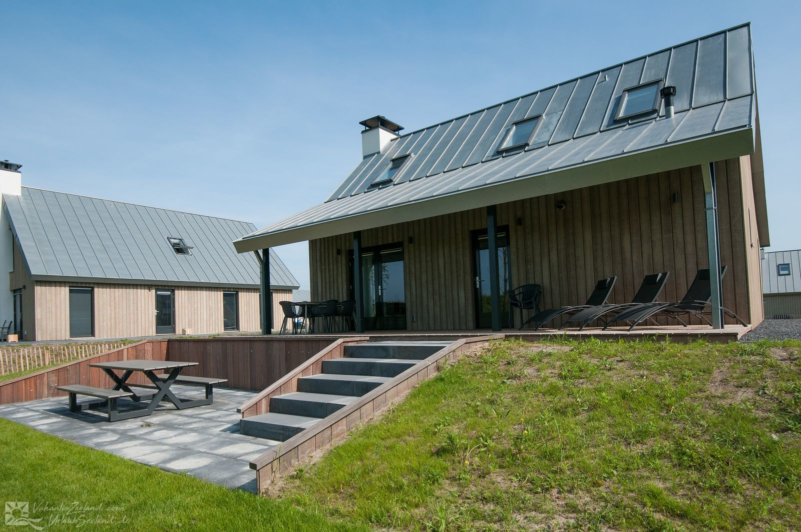 VZ748 Detached villa Tholen