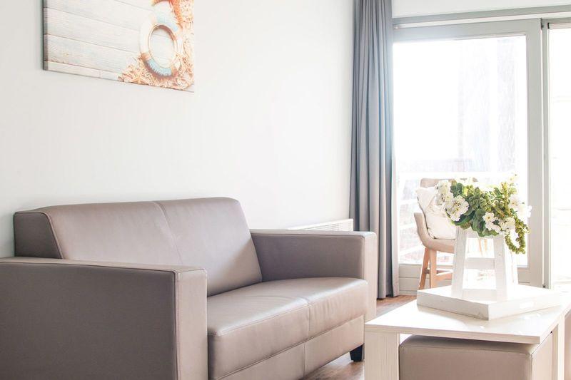 4p Vernieuwde vakantie suite aan de Belgische kust met zonnig balkon