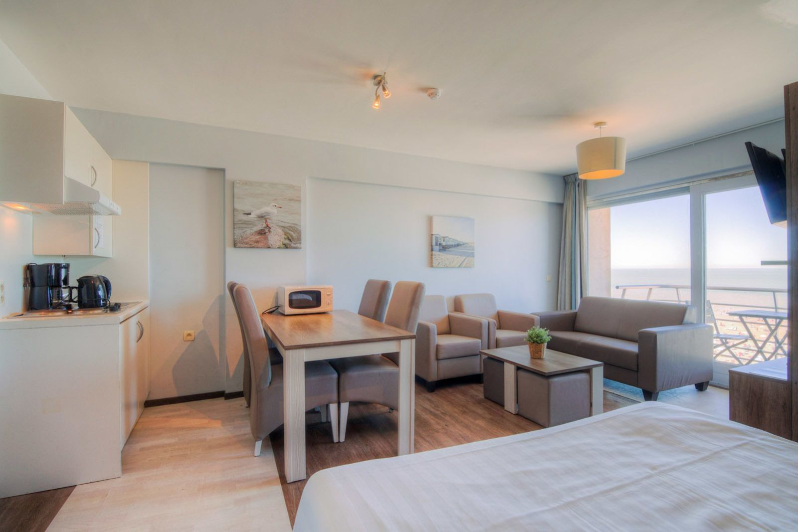 New Holiday Suite for 2 adults and 3 children with seaview