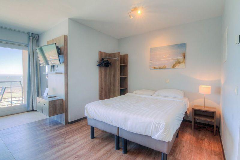 5p (2 volw + 3 kind) Vakantie suite met zeezicht vanaf het balkon aan de kust in Blankenberge