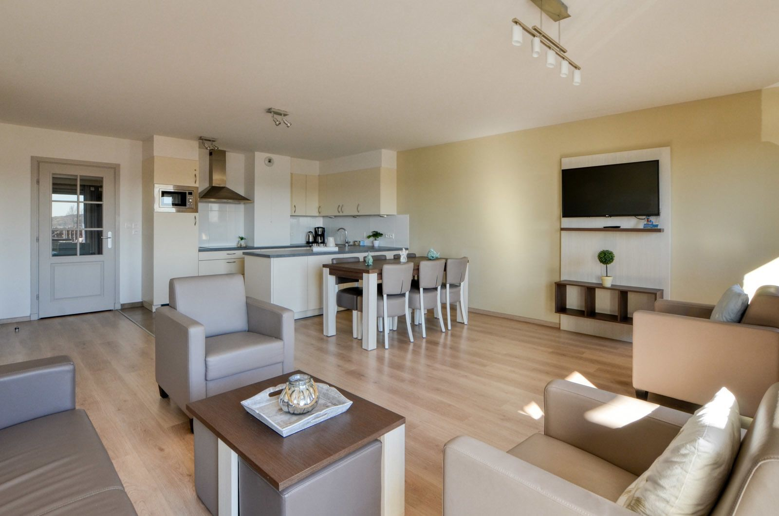 Holiday Suite for 6 people (4 adults - 2 children) with balcony