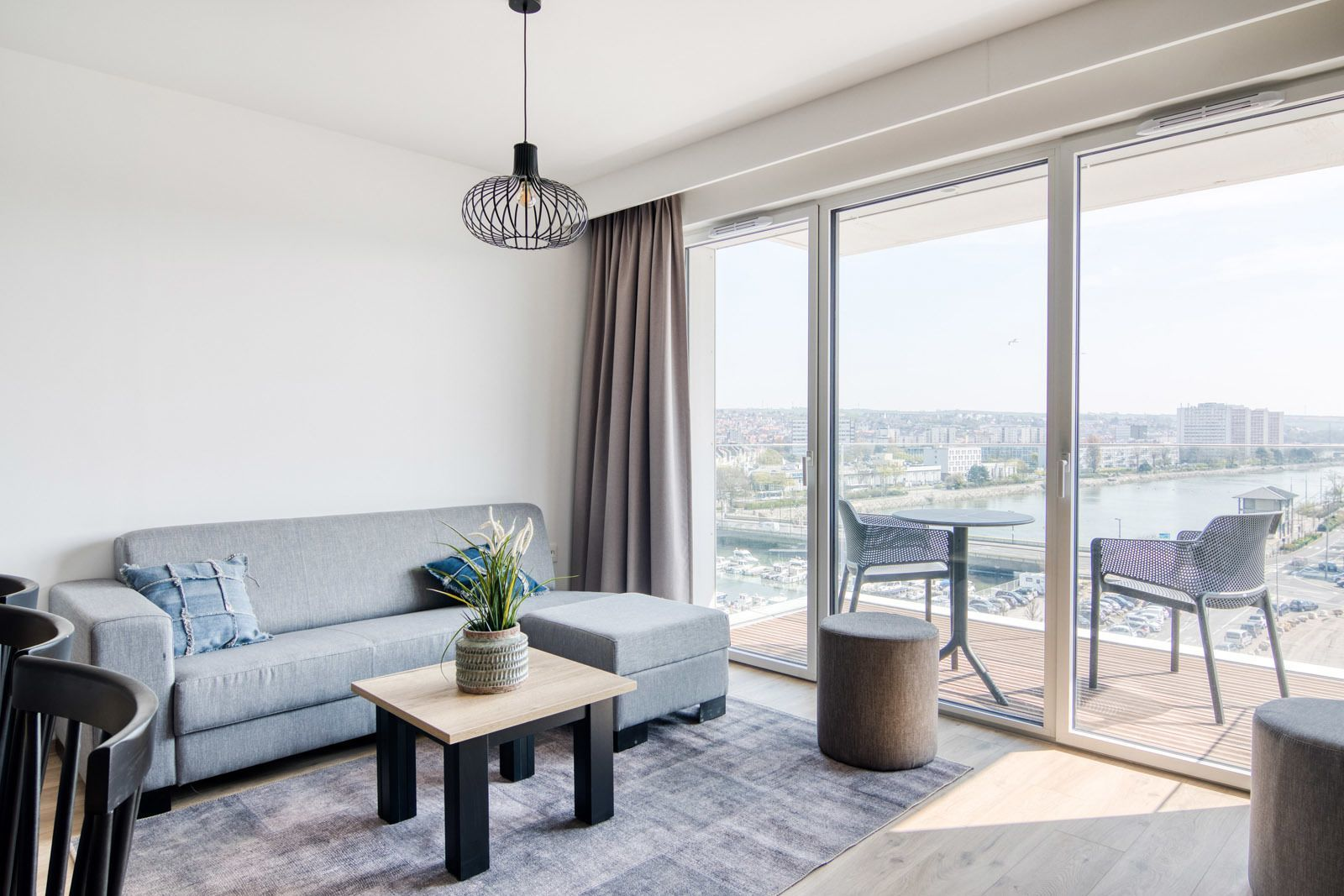 Deluxe suite for 6 people with 3 bedrooms and balcony