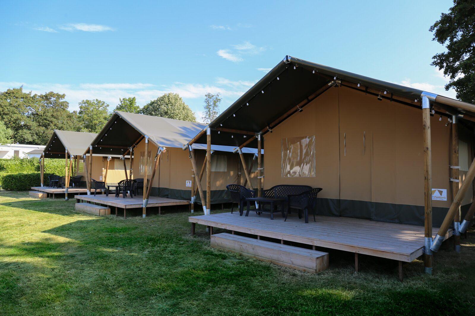 Safari tent