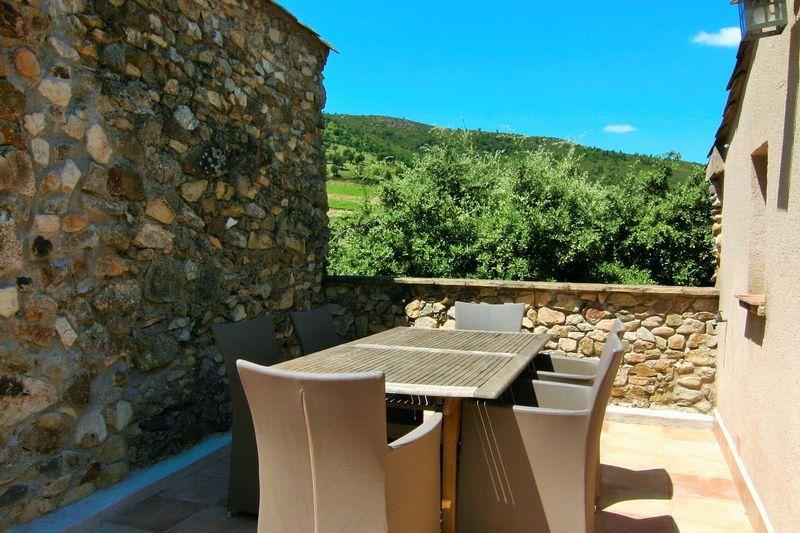 Ruim vakantie appartement (6p) met dakterras in de Provence (Hameau des Claudins, Le Plan Nr15)