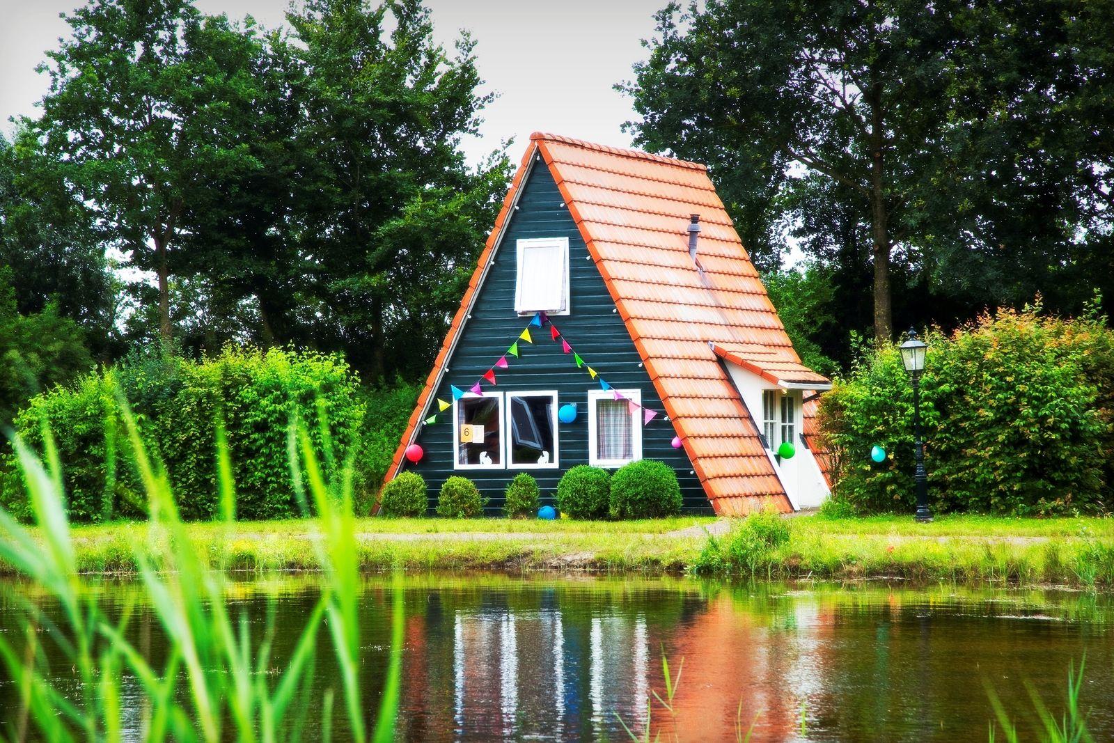 Afbeelding van Grote blokhut + 3 vissershuisjes
