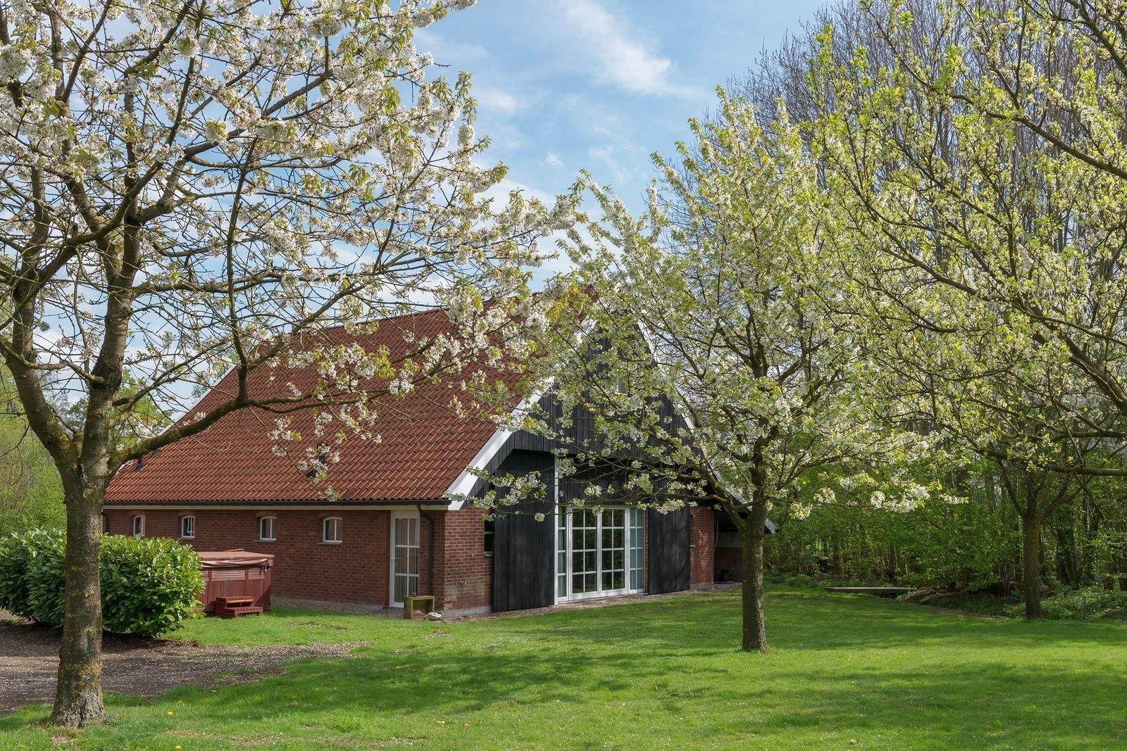 Landgoed 4 seizoenen winterhuis voor een luxe wellness for Weekendje weg huisje open haard