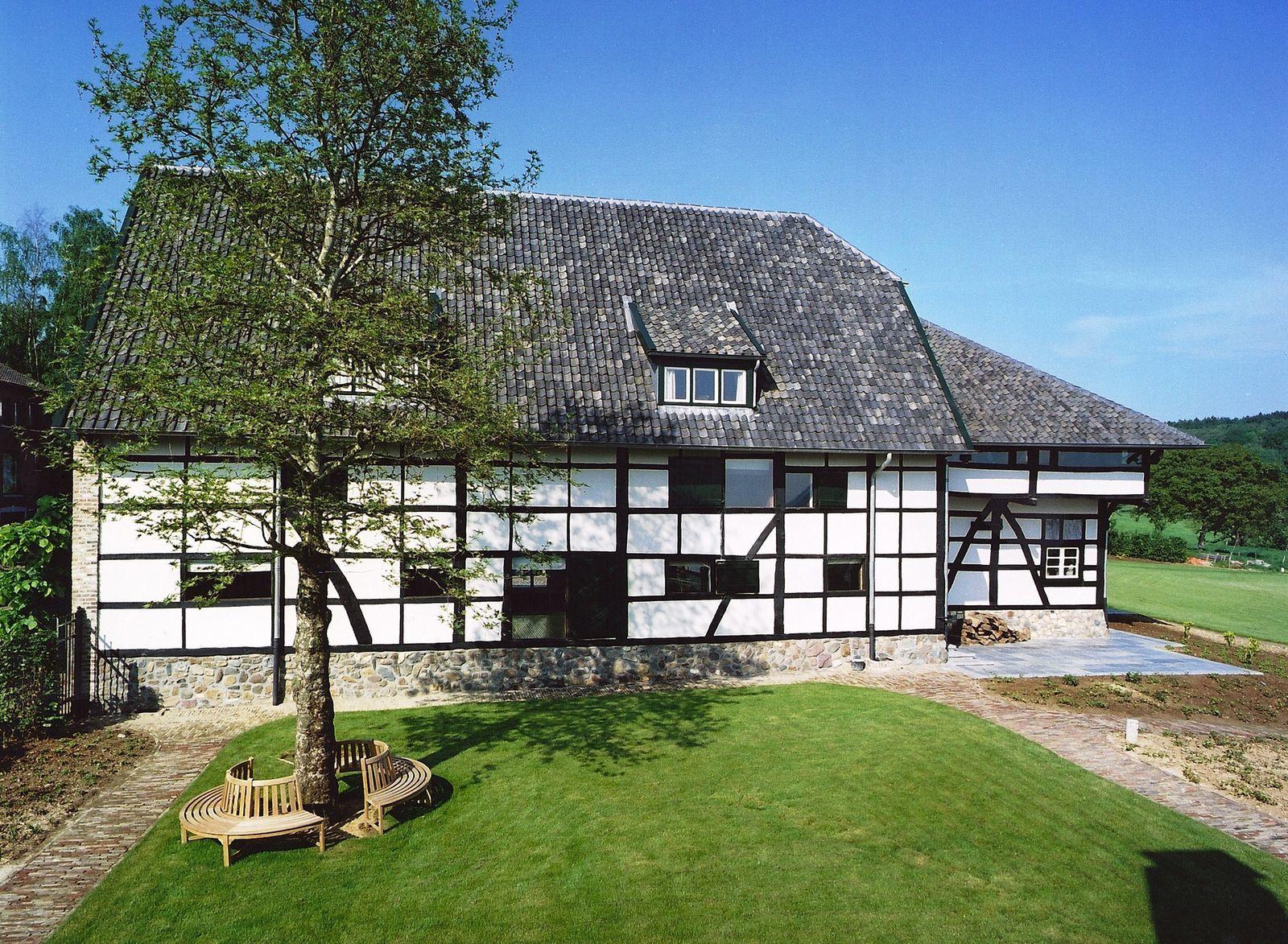 Carrehoeve Schweiberg - exclusieve vakantievilla met zwembad en jacuzzi in Zuid-Limburg