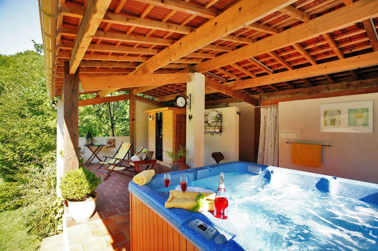 La Nouvelle Source - Isabel vakantiehuis Frankrijk met zwembad