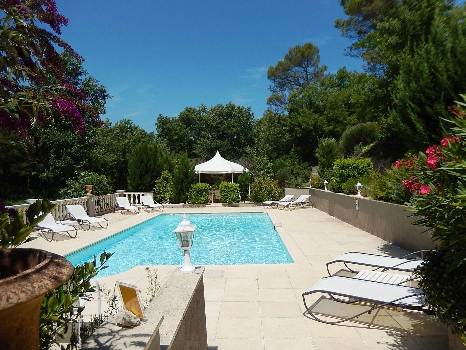 Villa du Jean - groot vakantiehuis met zwembad in Frankrijk