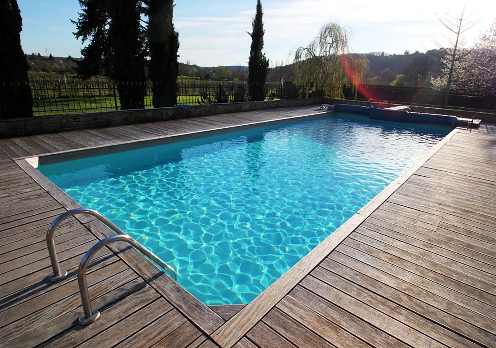 Chateau prayssac bakkershuis vrijstaand huis met zwembad - Huis design met zwembad ...