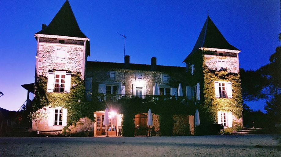 Chateau Prayssac - A op kleinschalig parkje met zwembad