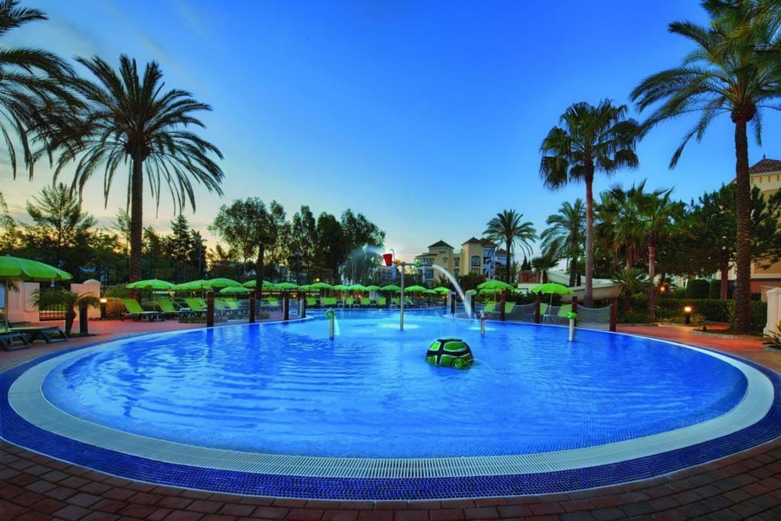 Playa Andaluza (Estepona, Costa del Sol) 2-Bedroom
