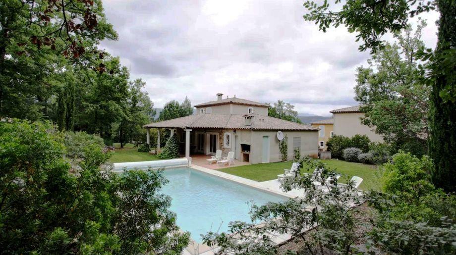 Villa Fayence - grote vakantievilla met prive-zwembad