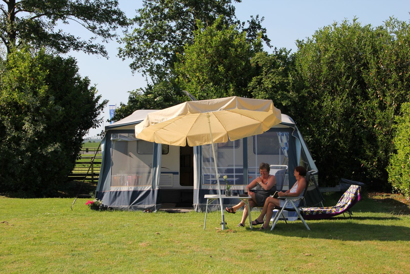 Kampeerplaats: Caravan of Tent, 4Amp