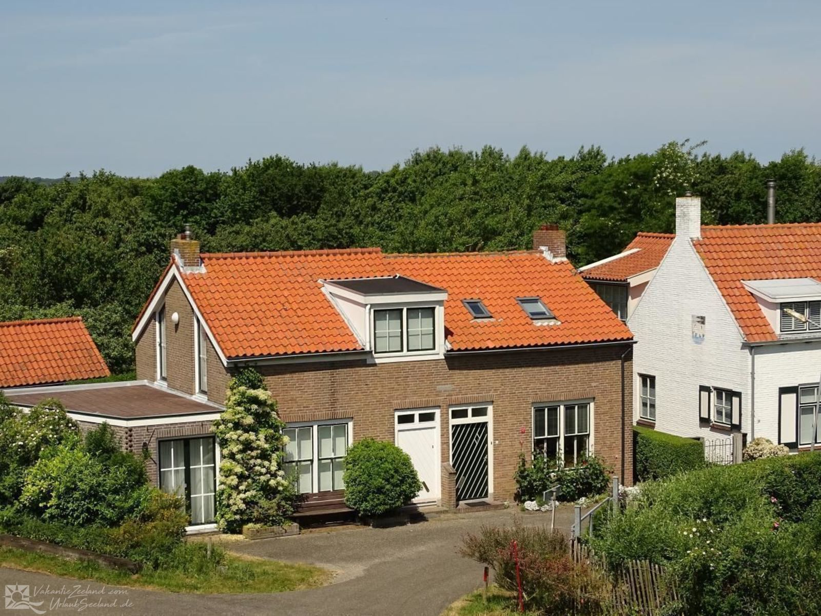 VZ064 Holiday home Burgh-Haamstede