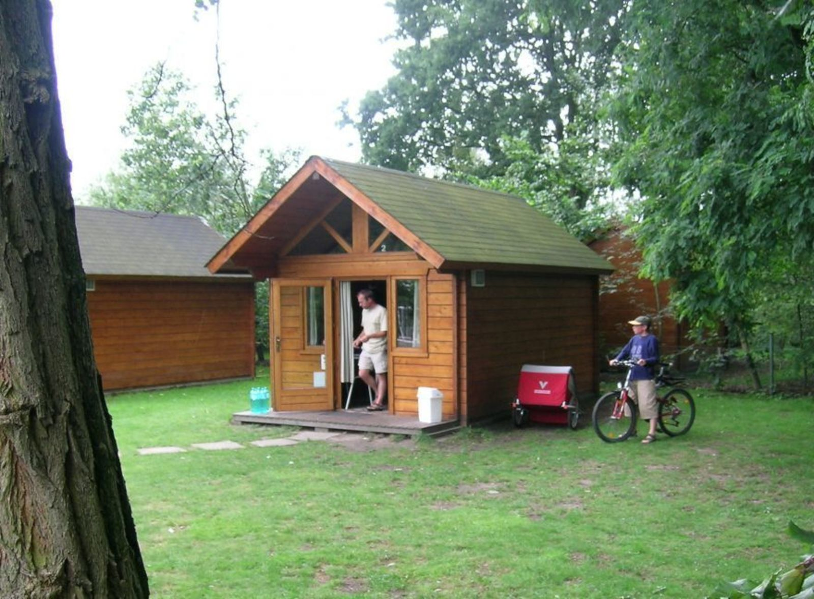 4-person hiker hut