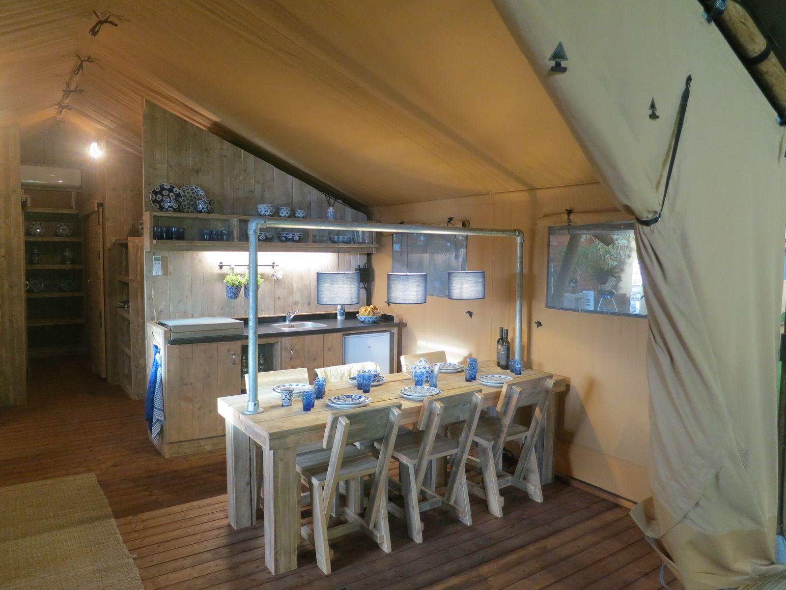 Afbeelding van Luxe 6-persoons glamping tent