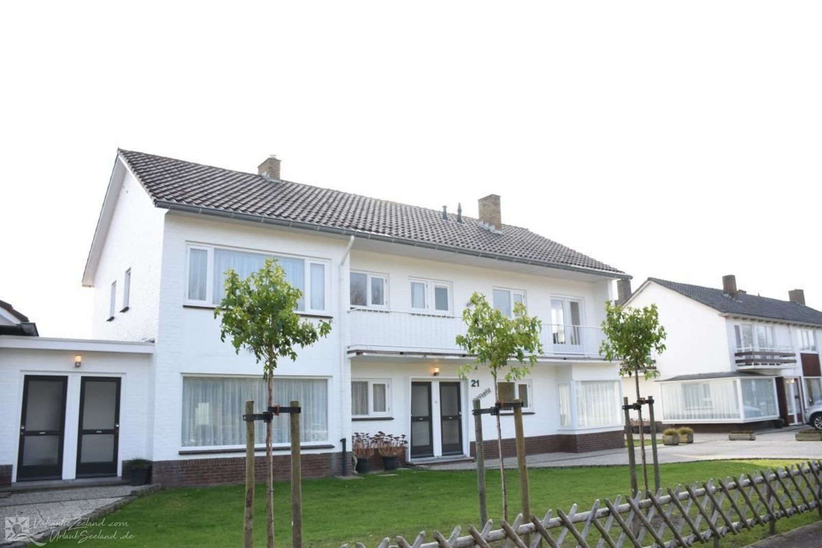 VZ313 Generous holiday home Cadzand