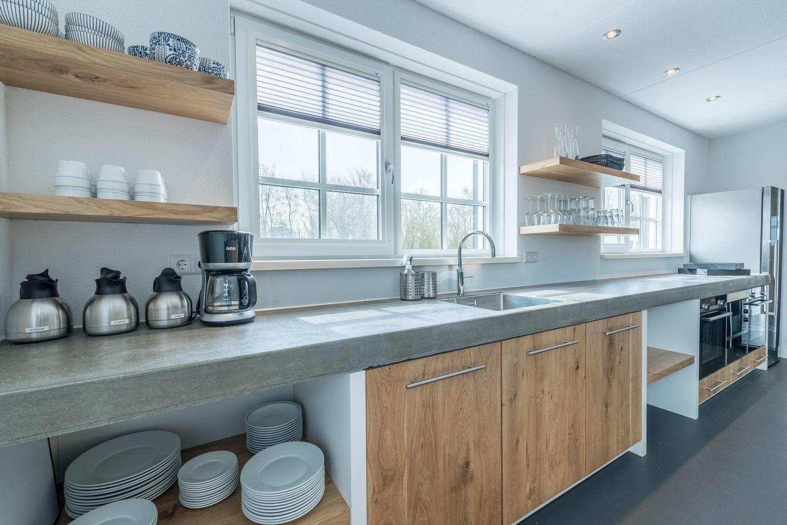 texels landleven xl groepsvakantiehuis met sauna en ecozwemvijver. Black Bedroom Furniture Sets. Home Design Ideas