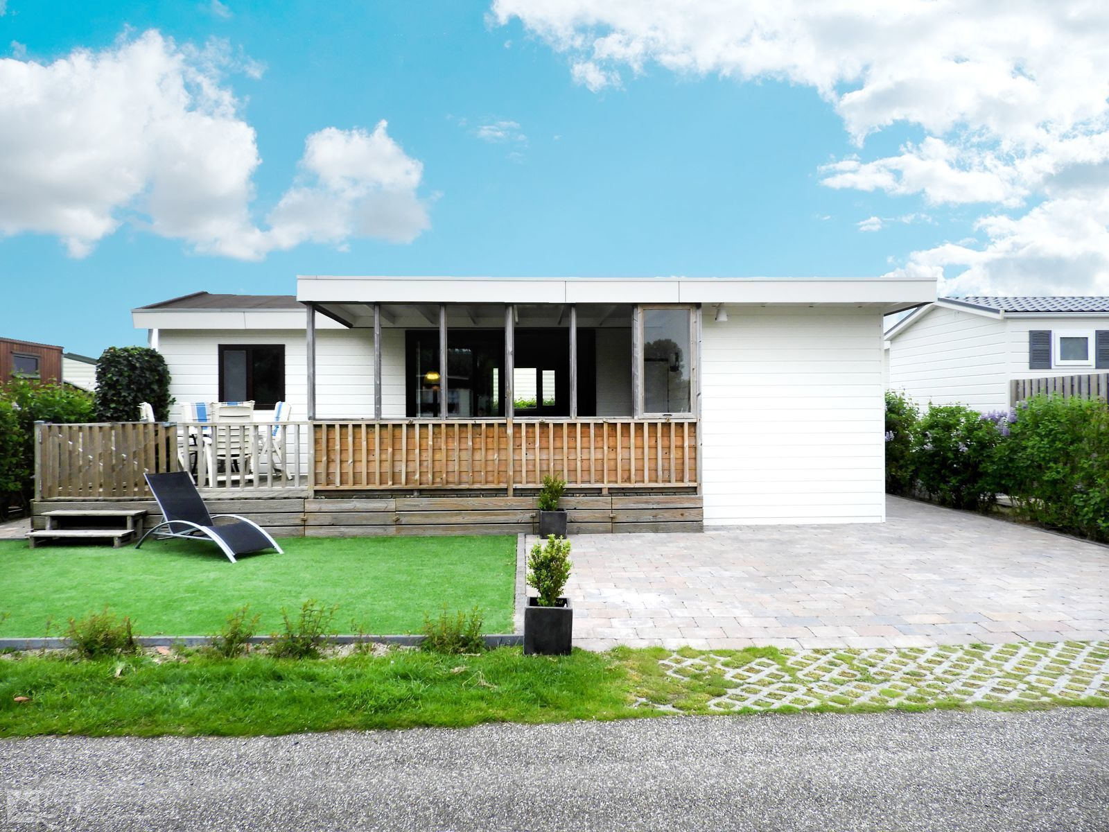 VZ180 Holiday chalet Renesse