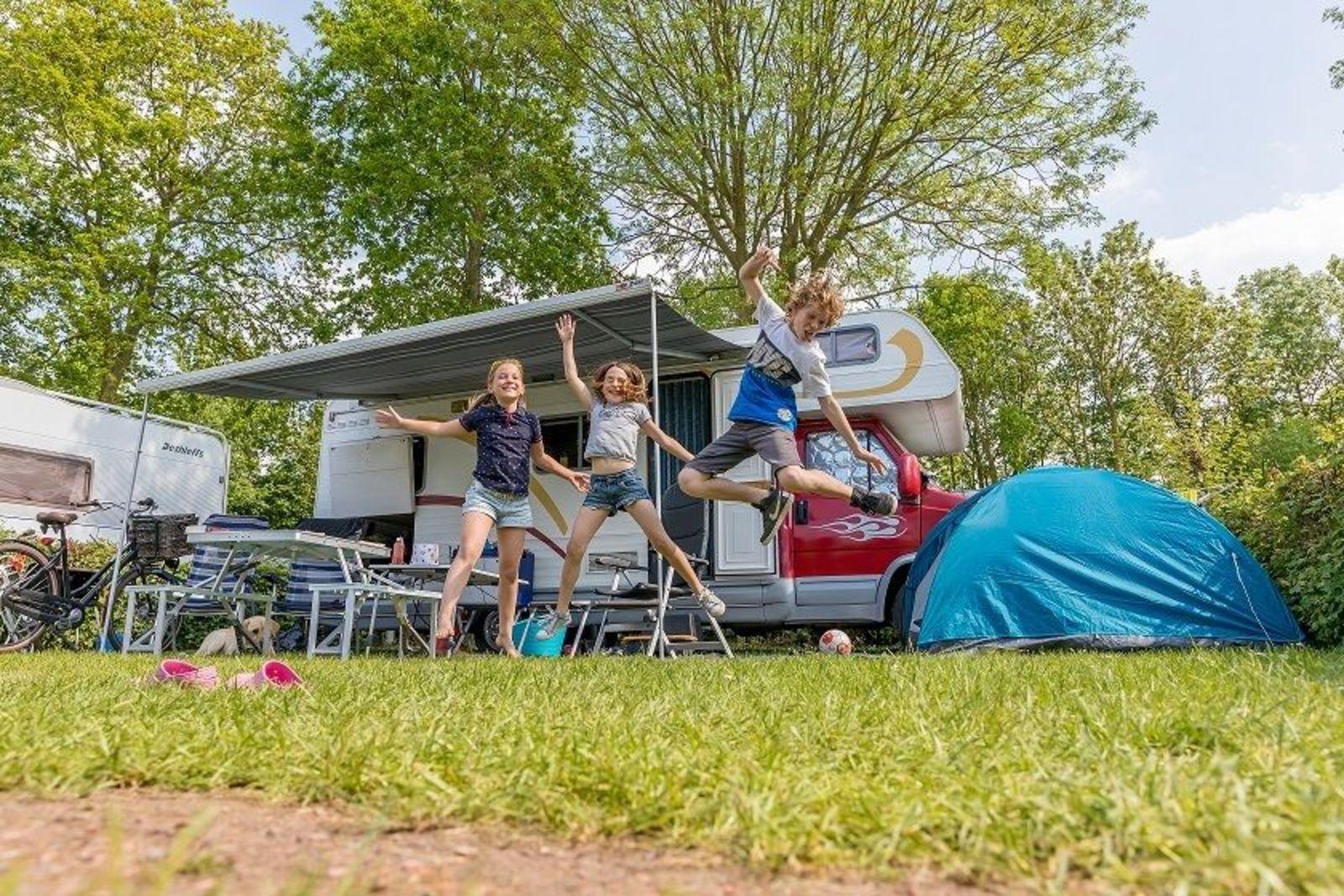 Camperplaatsen longstay - Gelderse Roos